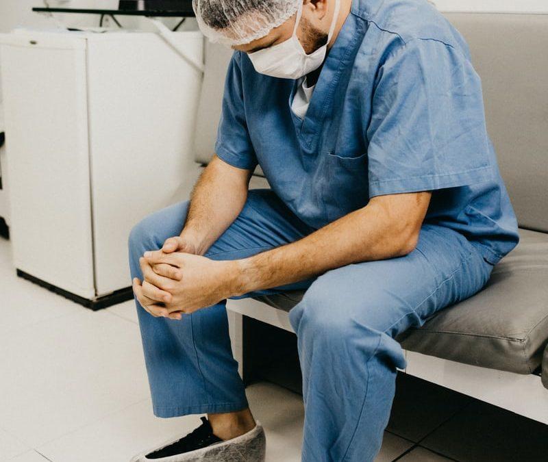 Sostegno psicologico gratuito agli infermieri della provincia di Varese